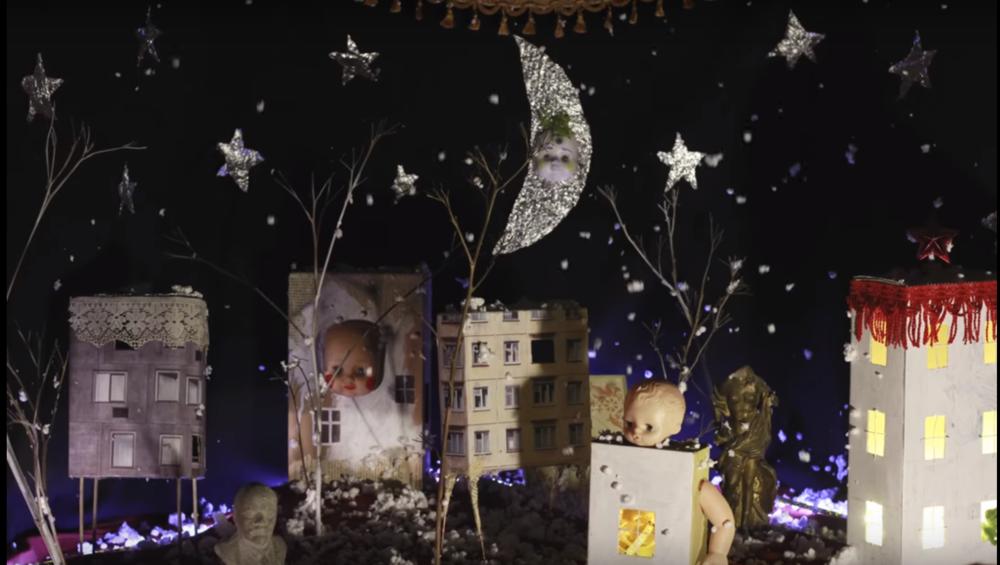 Фрагмент з фильму Дани Кавеліної «Про Марка Львовича Тюльпанова, який розмовляв з квітами»