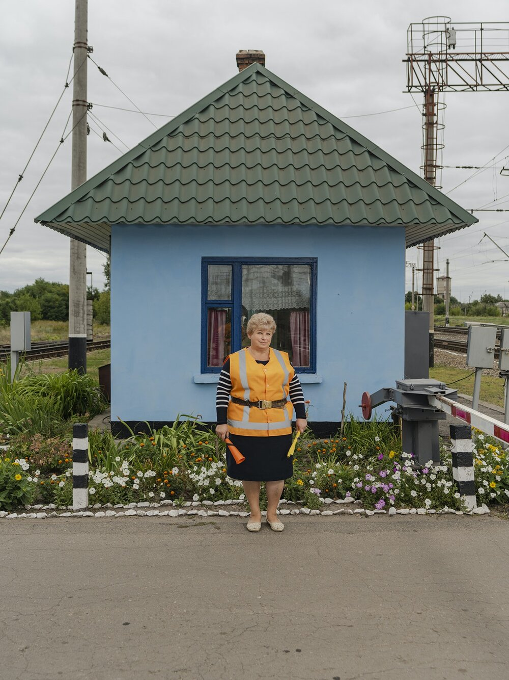 Ukrainian-Railroad-Ladies-7-2.jpg