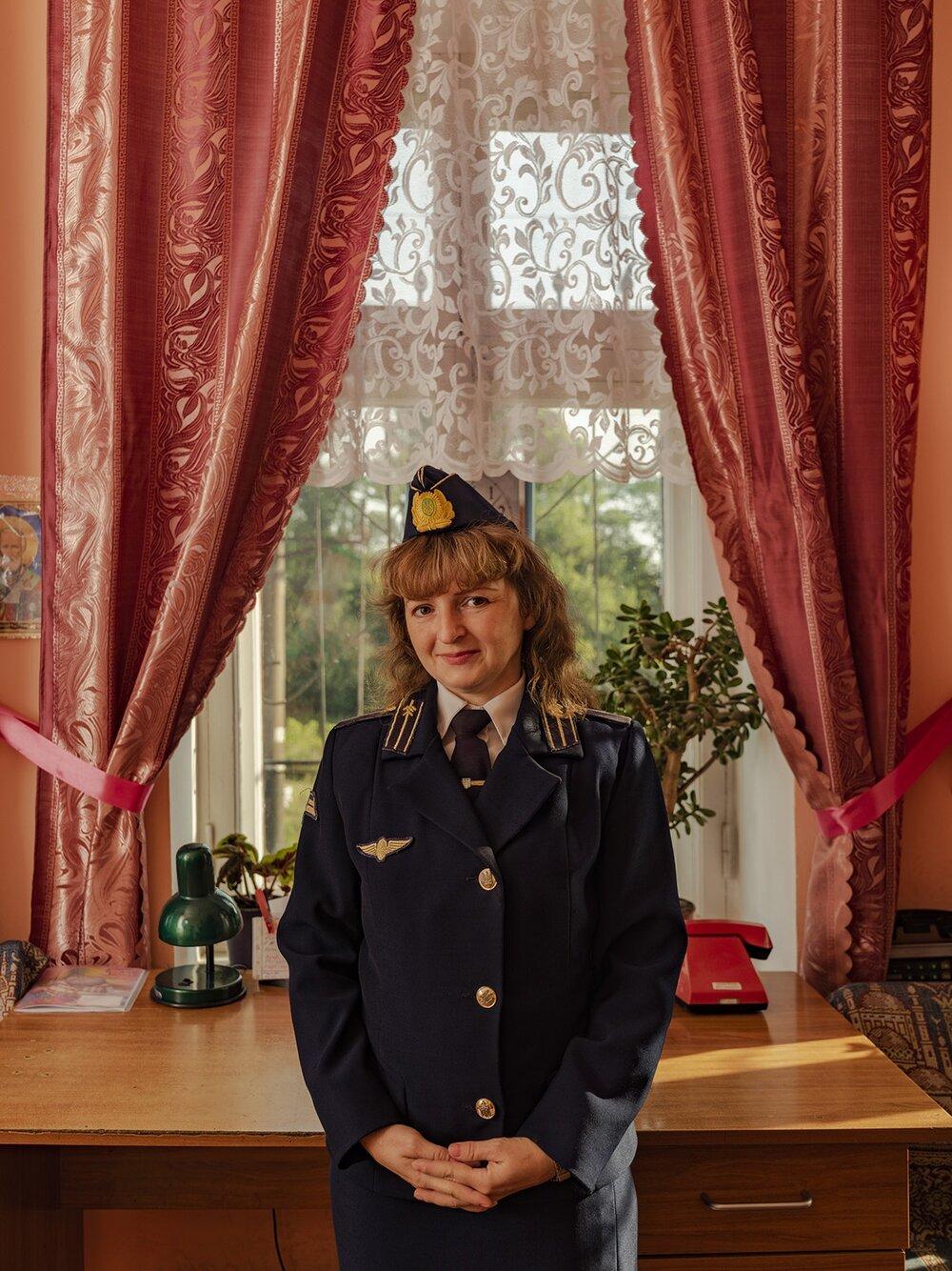 Ukrainian-Railroad-Ladies-1.jpg