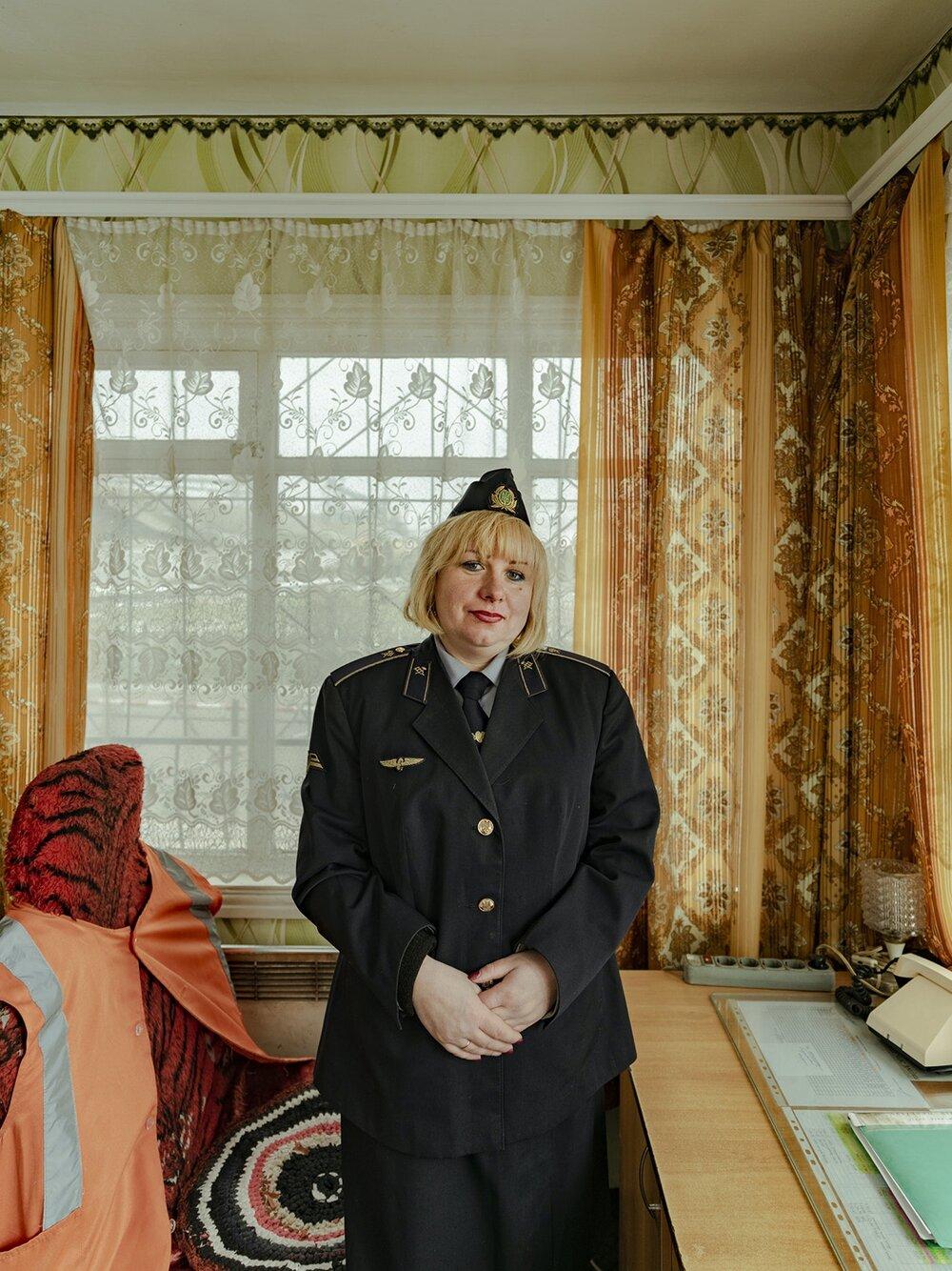 Ukrainian-Railroad-Ladies-3.jpg