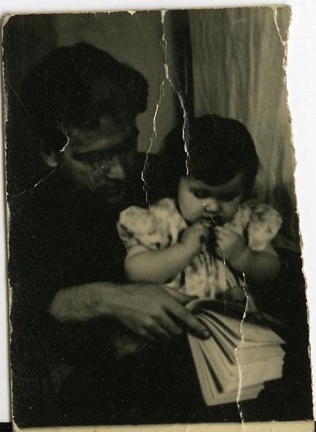 Валерий Ламах с дочкой Люсей. Соцгород. Киев. 1956