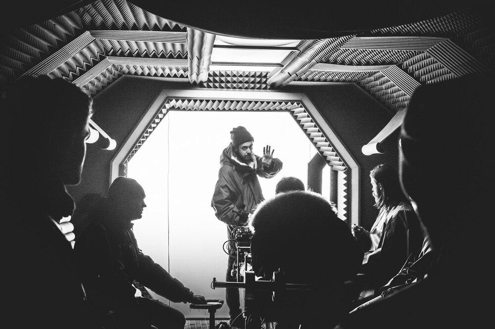 На знімальному майданчику фільму «Свято Хризантем» режисера Семена Мозгового. Автор: Роман Закревський