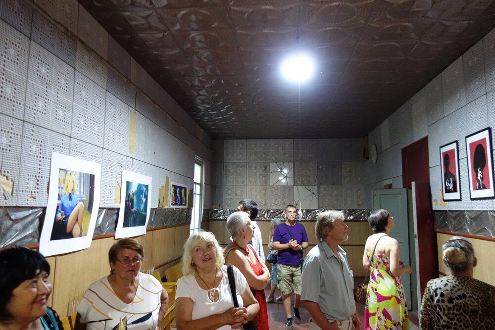 Виставка під час фестивалю у селі Шишаки. Фото надане Жанною Кадировою