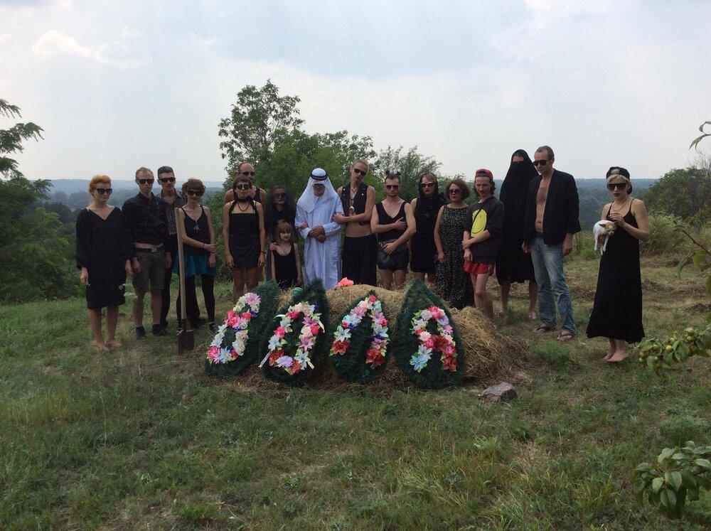 «Поховання волі», Сергій Попов, у межах фестивалю в селі Шишаки. Фото надане Жанною Кадировою