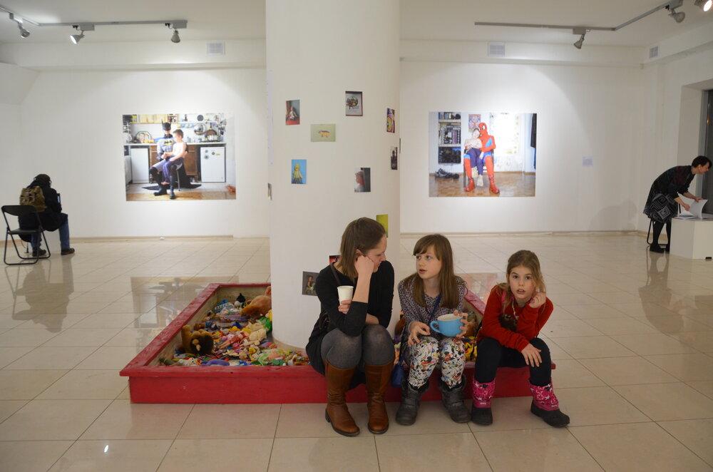 Виставка «Материнство» у Центрі візуальної культури, 2015 рік