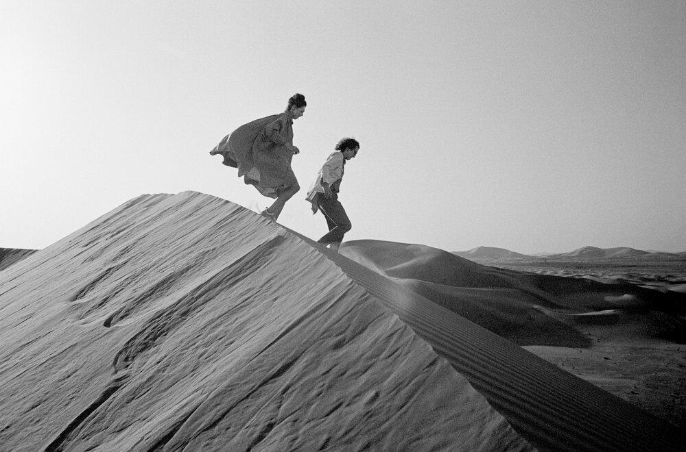 Христо та Жан Клод під час проєкту The Mastaba. Фото: Wolfgang Volz © 1982 Christo