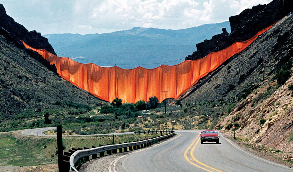 Valley Curtain, Колорадо. Фото:Wolfgang Volz © 1972 Christo