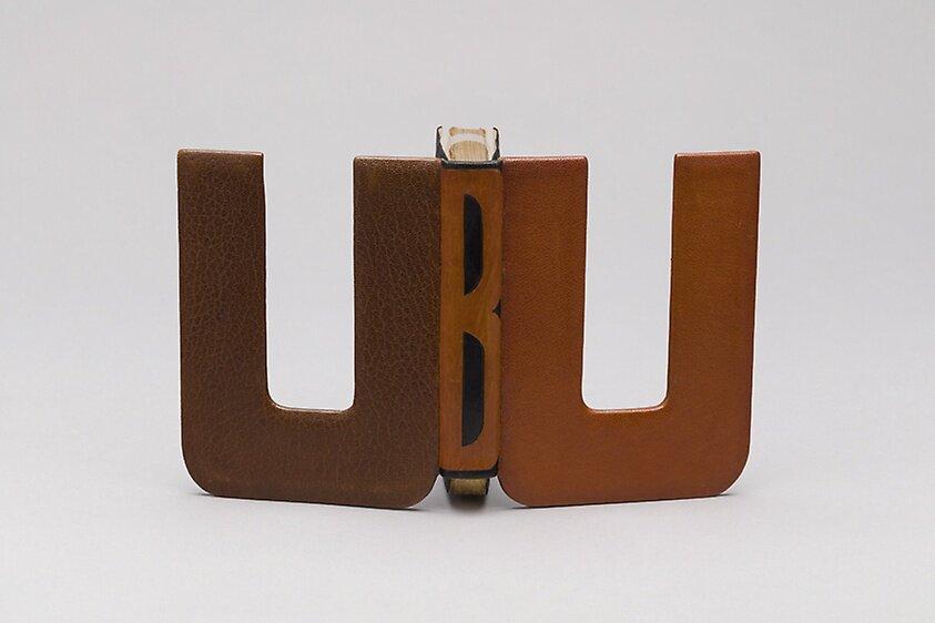 Bookbinding for Ubu Roi, 1935 ©THE ART INSTITUTE OF CHICAGO  Обкладинка до п'єси Альфреда Джеррі Ubu Roi