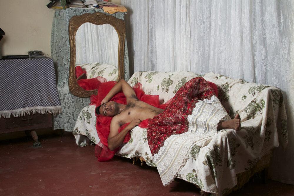 Self Portrait in Red Skirt, Нельсон Моралес ©artnet