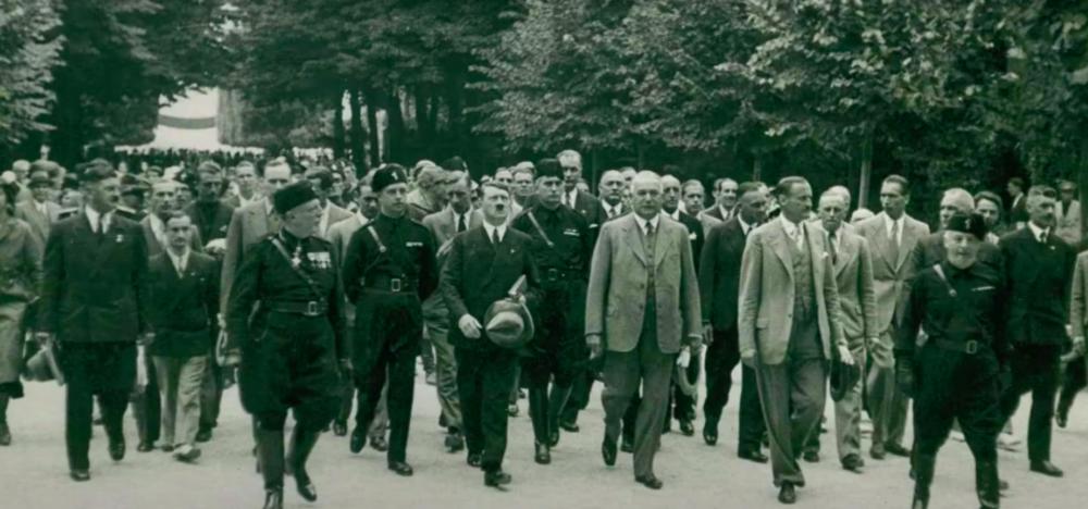 Гітлер на Бієнале. Стоп-кадр з конференції