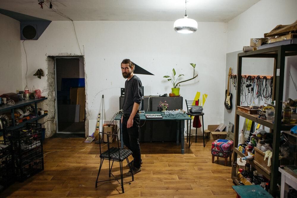 Олександр Єльцин у своїй майстерні. Фото: Сергій Моргунов