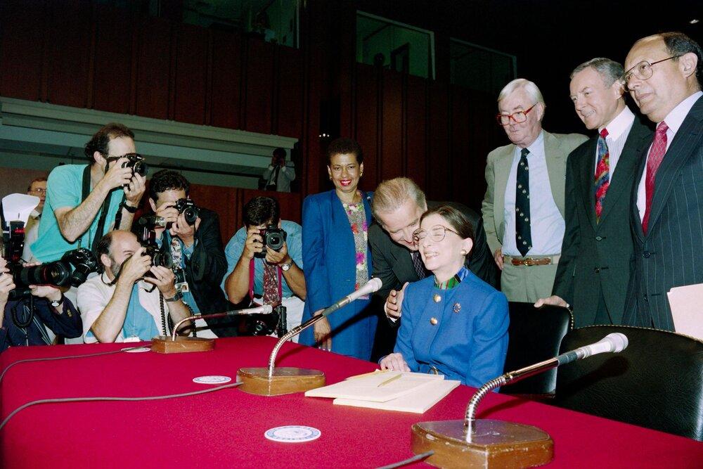 Джо Байден та Рут Гінзбург, 20 липня 1993 року. Авторка фото : Дженніфер Ло / AFP через Getty Images