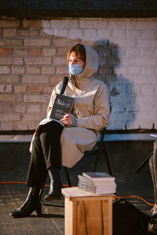 Леся Кульчинська на презентації книжки «Йозеф Бойс. Кожна людина — художник». Надано Лесею Кульчинською
