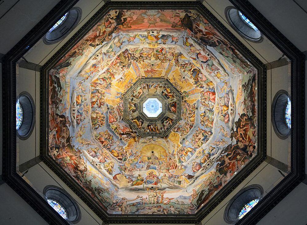 Купол собору. Фрески почали малювати у 1568 і закінчили у 1579 (закінчив розписи Федеріко Цуккарі). Під куполом зображений Страшний суд, собор Санта-Марія-дель-Фйоре, (Флоренція, Італія), фотокредит сайт міста Флоренція