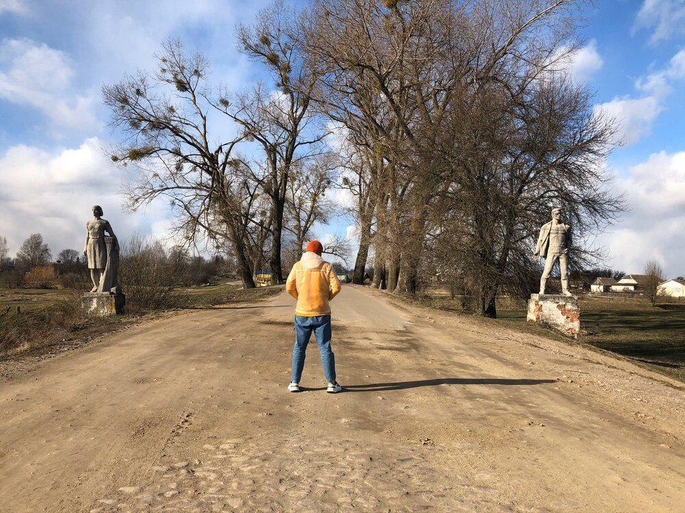 Леонiд Марущак у селi Замисловичі, Полісся. Березень 2020 року. Світлина: Марта Білас