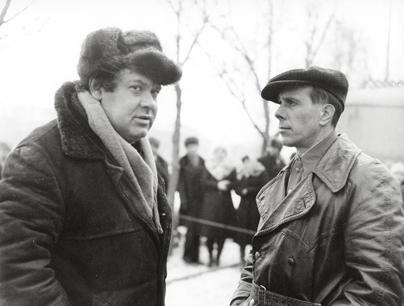 Алєксєй Герман і Андрєй Болтнєв на зйомках фільму «Мій друг Іван Лапшин». Джерело:  123 Versions