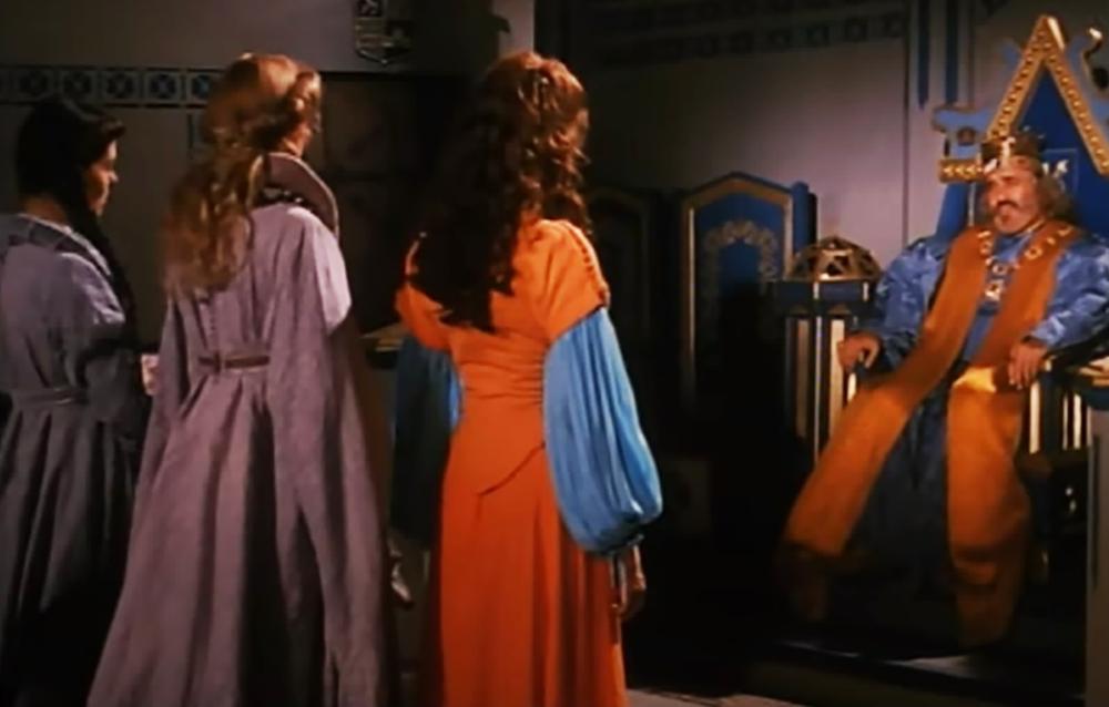 Скриншот из сериала «Пещера Золотой Розы»