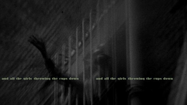 Елізабет Прайс, кадр з відео «Хор Вулворта 1979 року», 2012