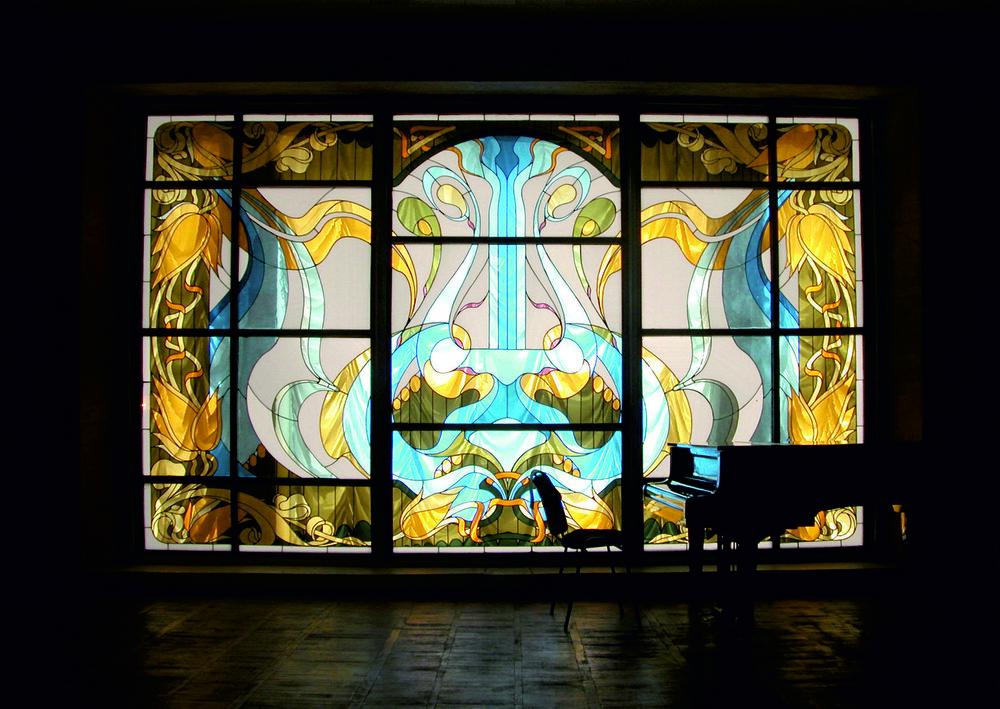 Сцена концертної зали музею до реконструкції 2011—2012 р.р. Світлина з фондів Меморіального музею Сергія Прокоф'єва