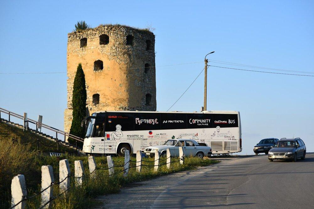 Гуртобус паркується у Скалі-Подільській, Тернопільська область. Фото: Руслан Сингаєвський