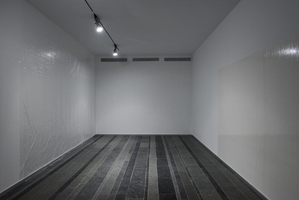 «Трансфер»: персональна виставка Міхала Будни «Без назви» (2012).Фотографії надані PinchukArtCentre © 2012. Фотограф: Сергій Іллін.