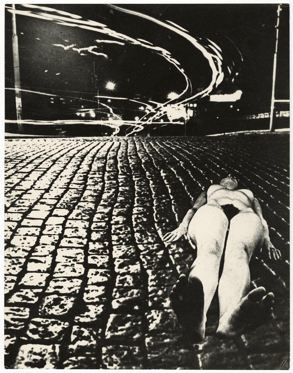 Ю. Рупин. Ночь.1974, серебряно-желатиновая печать. Коллекция Музея Харьковской школы фотографии (MOKSOP).