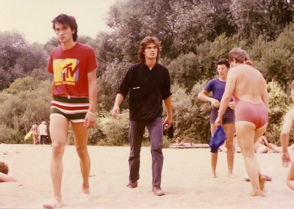 Віктор Цой на пляжі, кінець 80-х. Фото: Джоанна Стінгрей