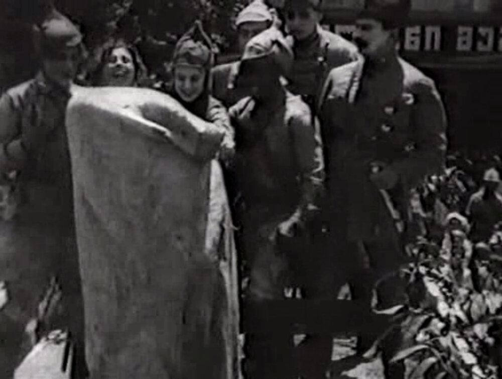 «Червоні дияволята» (1923). Стоп кадр із фільму