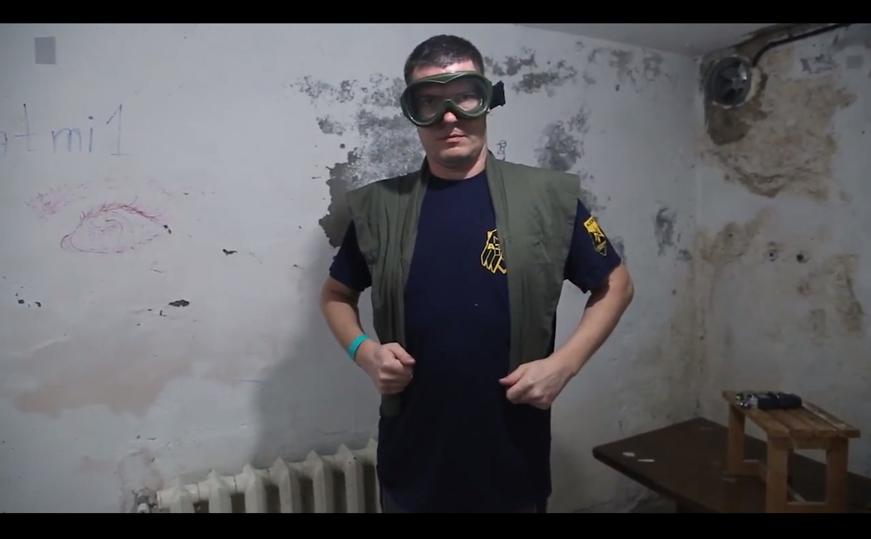 Кадр із епізоду серіалу «Озброєнні та небезпечні», реж. Сашко Протяг, 2019