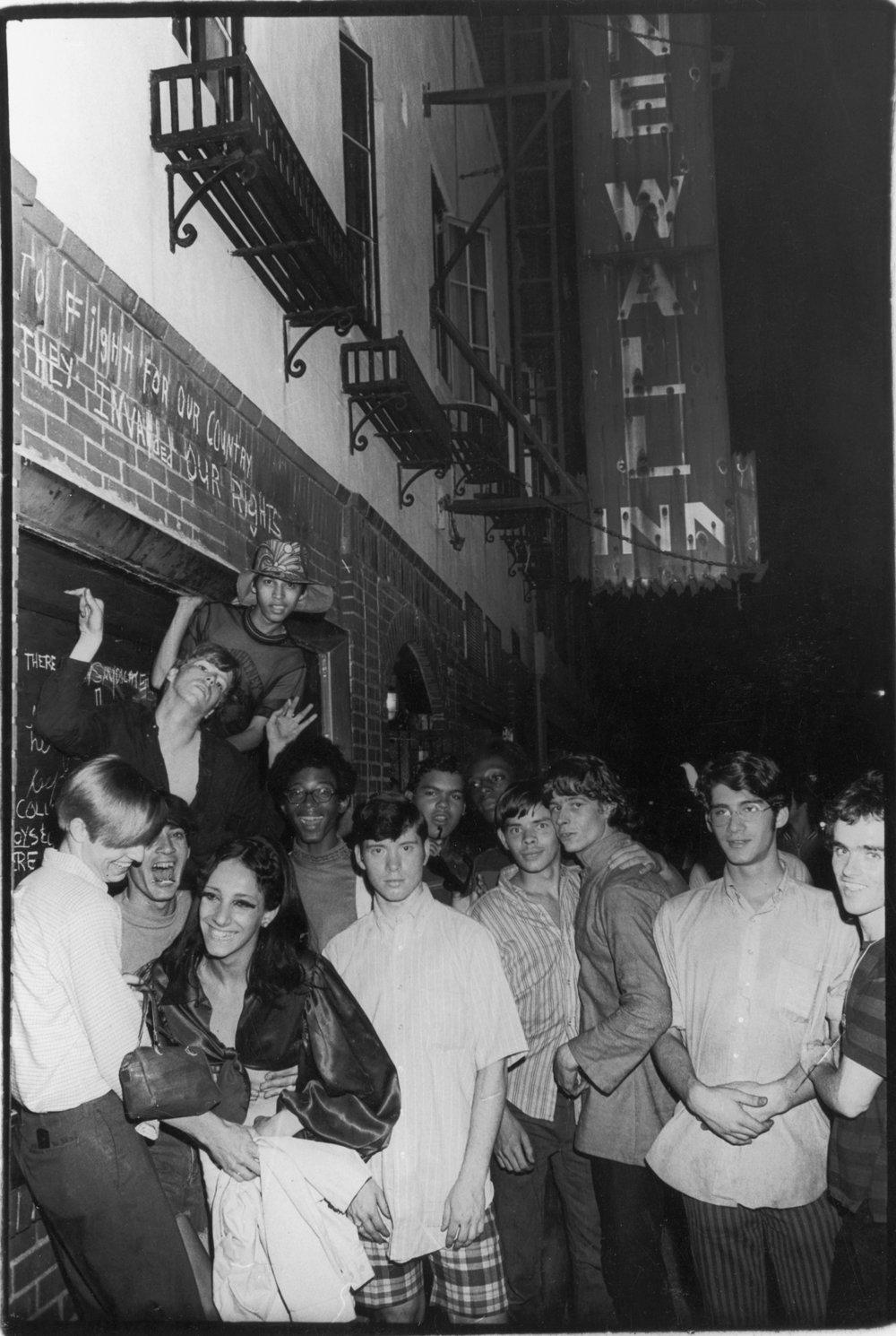 Фото: Фред У. МакДаррах святкування після бунту