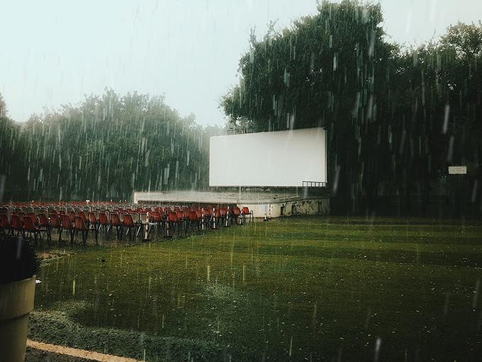«Вибачте, сьогодні ніякого кіно». Світлина: Juliya Ibraeva