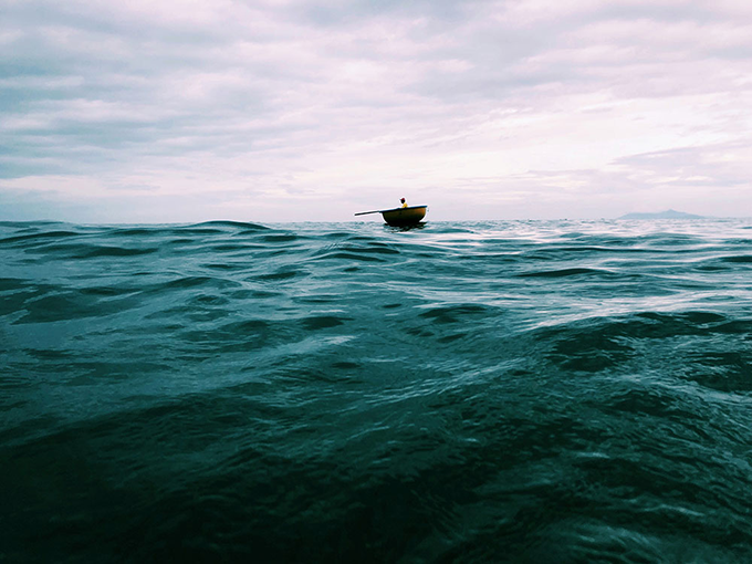«Самотній човен». Світлина: Liu Bo