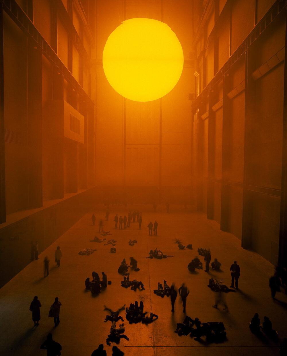 Олафур Еліассон, The weather project, 2003. Світлина:   wetransfer