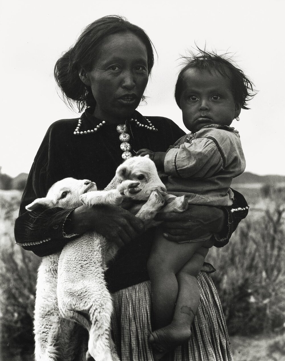 Лаура Гілпін, «Жінка з дитиною та ягнятами», 1932