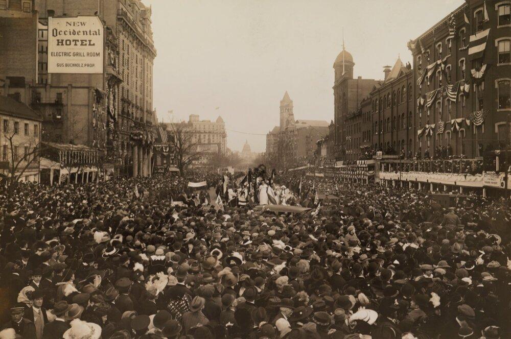 Фото жіночого виборчого маршу, 1913