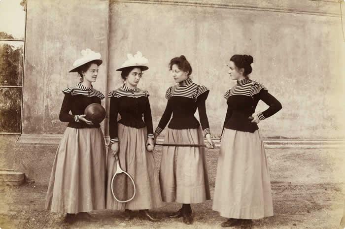 Дівчата з пенсіону