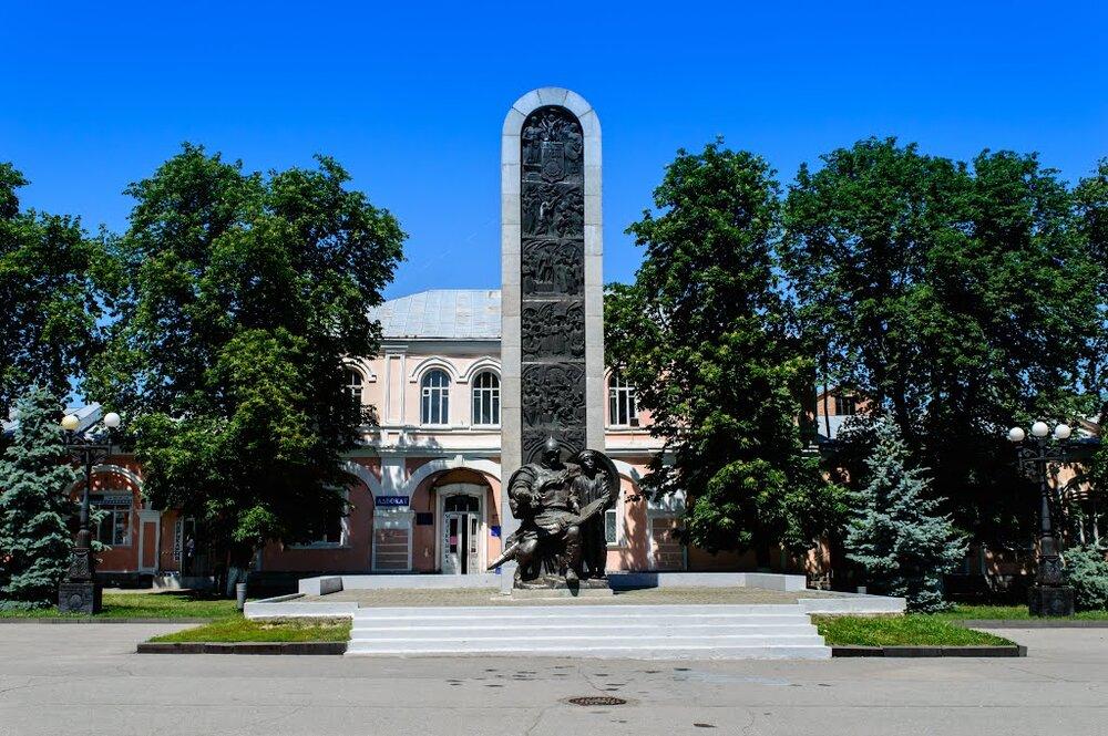 Монумент тисячоліттю Лубен, 1988. Світлина:  mapio