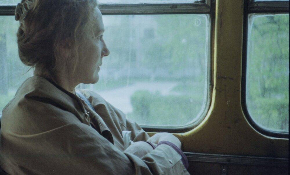 Фльм «Поза зоною», реж. Нікон Романченко