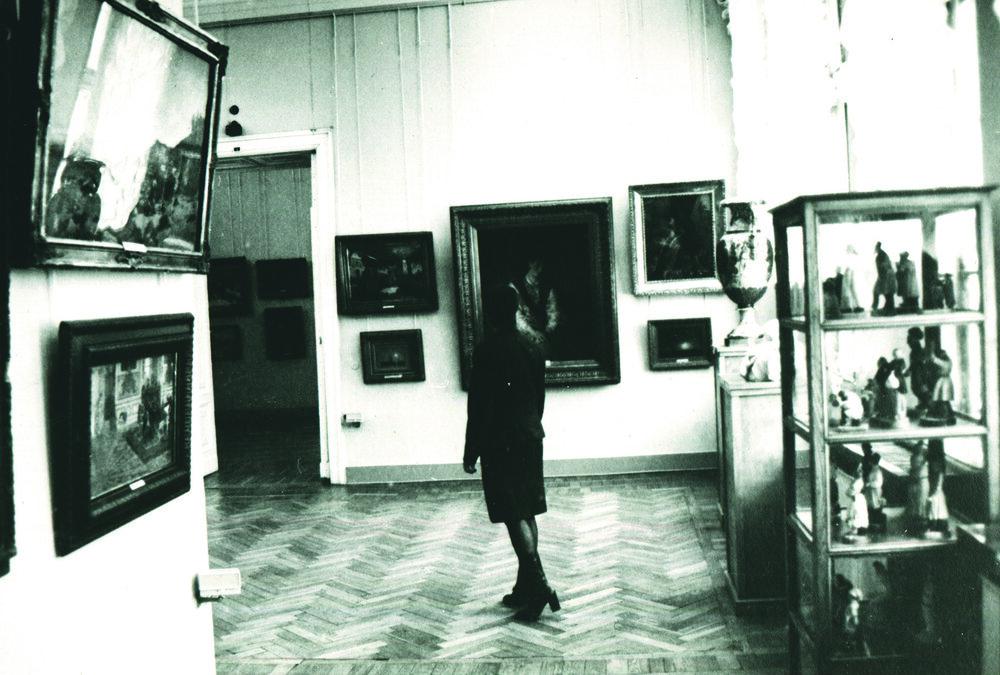 Зала №5 (зараз зала Айвазовського), фото зроблене піля 1995 року, надано ОХМ